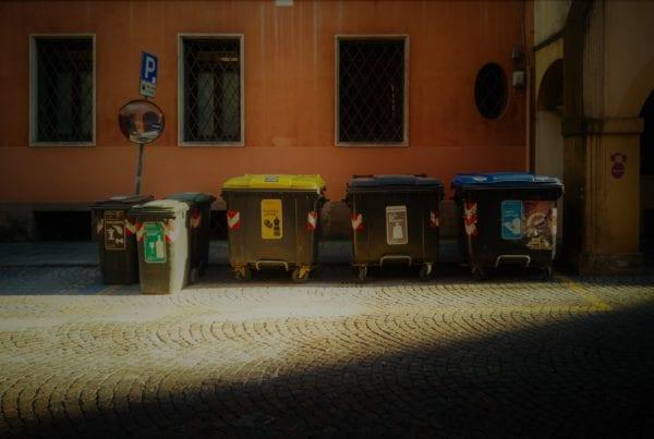 différents contenants à déchets